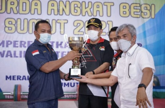 Walikota Tebingtinggi, H.Umar Zunaidi Hasibuan Resmikan Turnamen Kejurda Angkat Besi